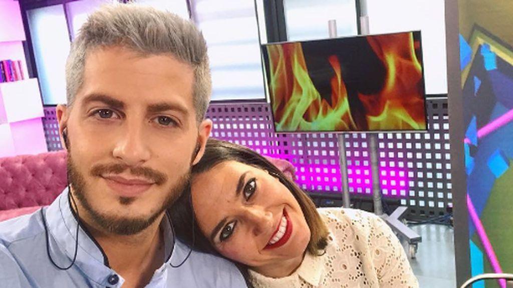 ¡Los presentadores de 'Cazamariposas' suben la temperatura! 🔥