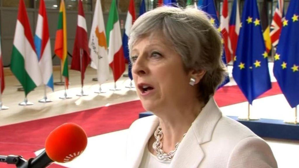 """""""Nadie tendrá que marcharse"""": El mensaje de May a los europeos residentes en Reino Unido"""