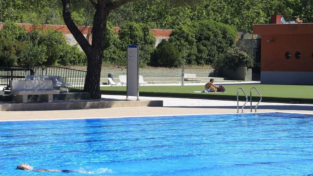 Muere ahogada una niña en una piscina comunitaria de Madrid