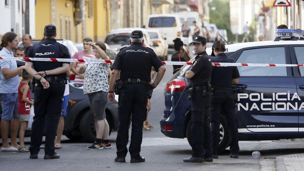 Un hombre asesina presuntamente a su expareja y se da a la fuga en Sevilla