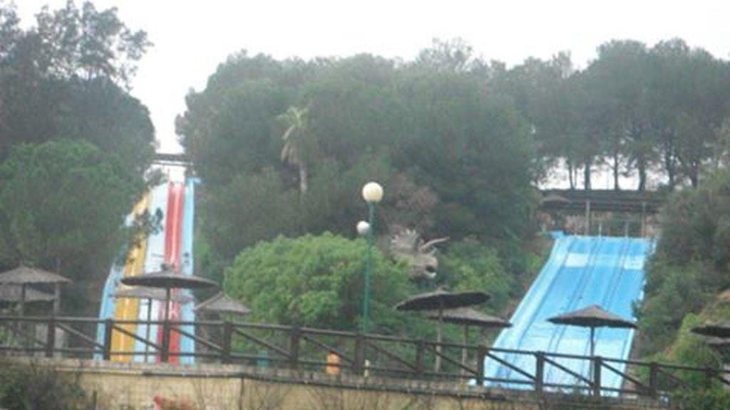 Herido grave un joven de 27 años al caer de un tobogán en un parque acuático de Cullera