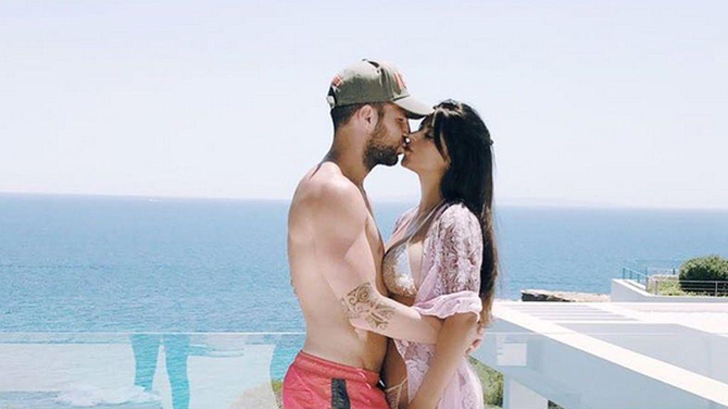 La foto de Fabregas con su mujer que no deja a nadie indiferente