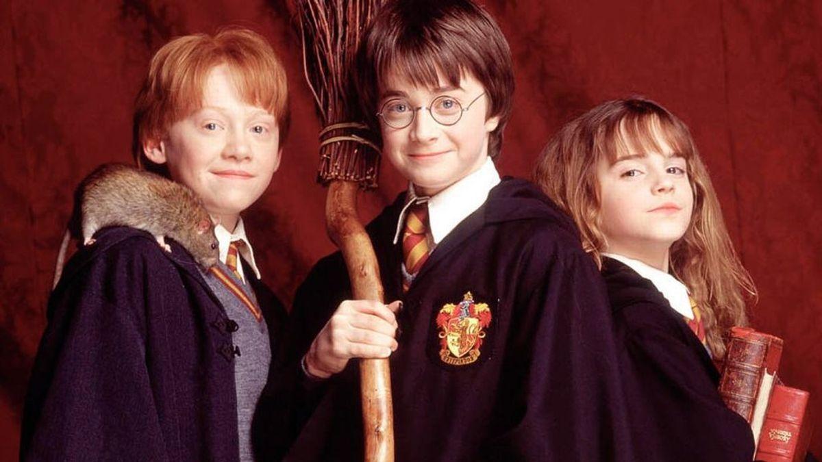 ¡Magia! ⚡️ Facebook homenajea a Harry Potter y celebra los 20 años de 'La piedra filosofal'