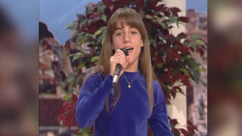 Edurne, un 'trasto' de 11 años en su debut cantando en televisión antes de 'OT 2005'