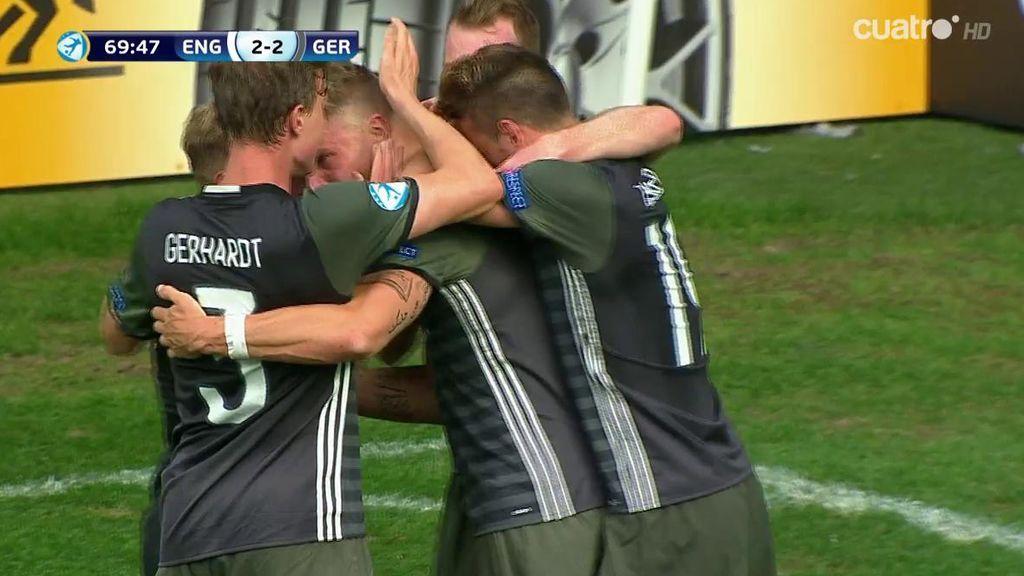¡Así se remata! Platte consigue el empate para Alemania con un impresionante cabezazo