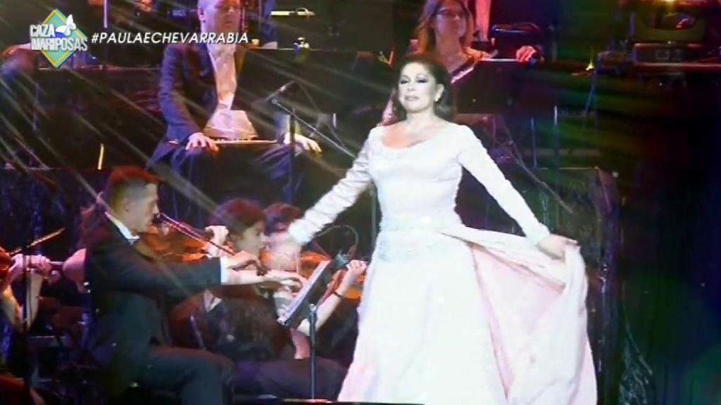 La Panto y su colección de vestidos: ¡Siete por concierto a un precio de 42.000 euros!