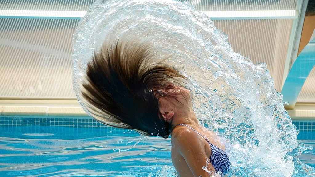 No al pelo rubio-verde 'piscinero': así puedes evitarlo