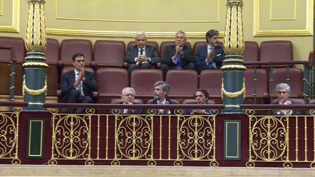 La curiosa imagen de Pedro Sánchez en la tribuna de invitados del Congreso