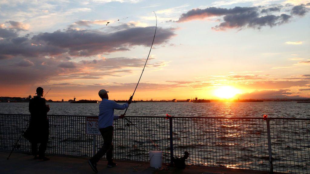 Pesca al amanecer