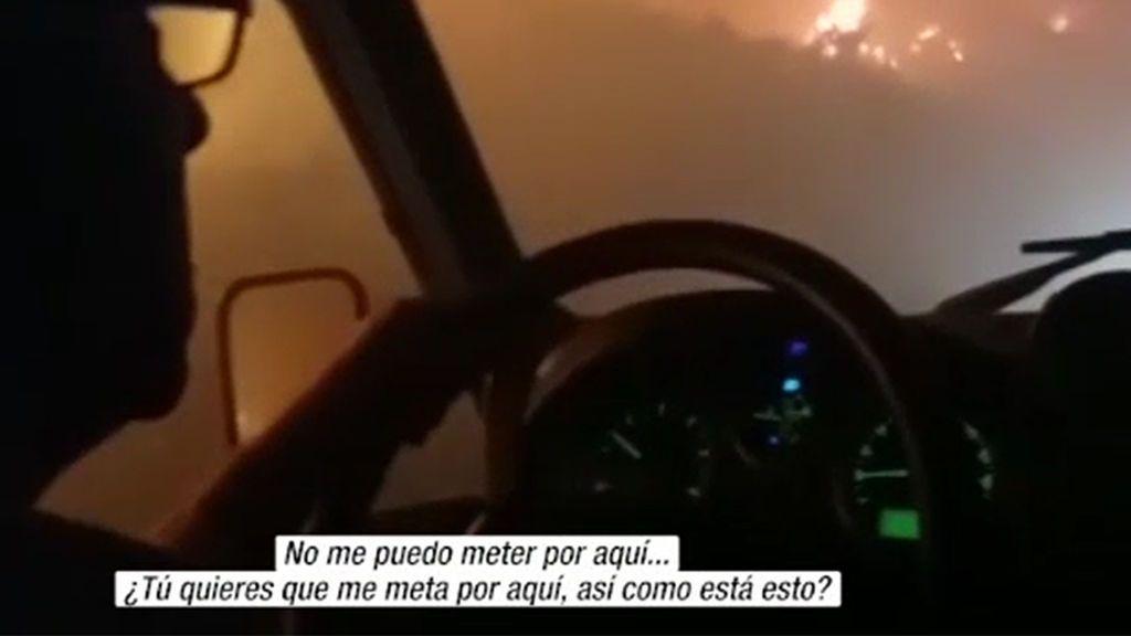 Los instantes de tensión de un retén antiincendios en medio del 'infierno' de Moguer