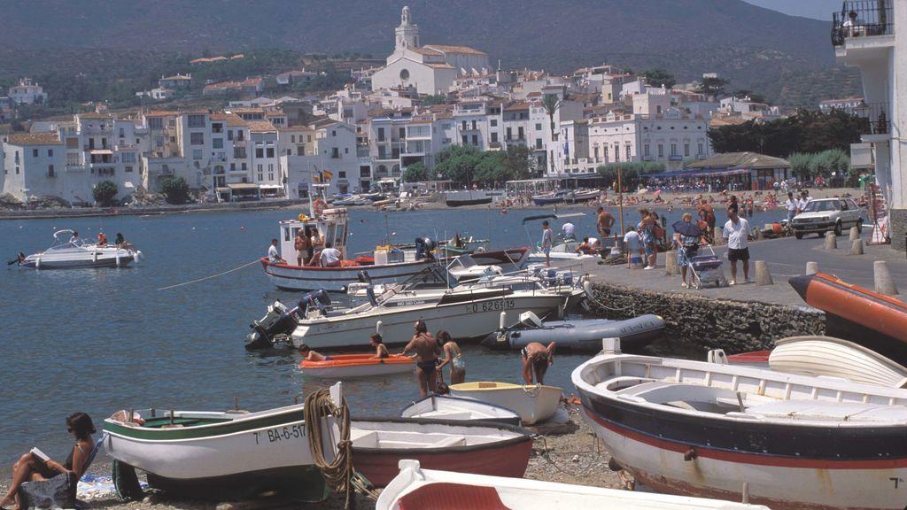 Un muerto y dos heridos en la explosión de un barco en Cadaqués (Gerona)