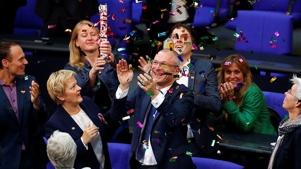 El Parlamento alemán vota a favor del matrimonio homosexual