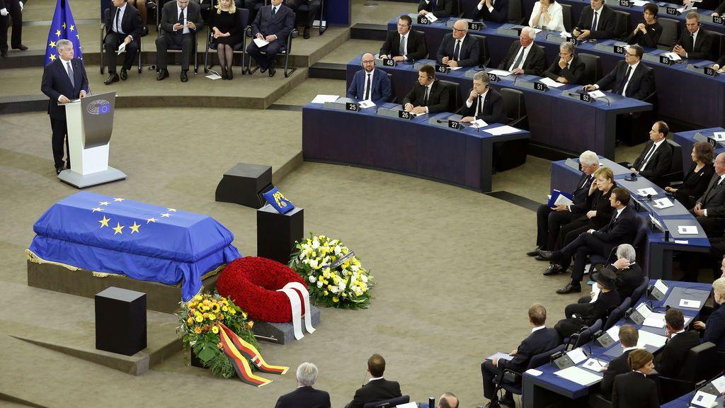 Los líderes mundiales despiden a Helmut Kohl con un homenaje en la Eurocámara