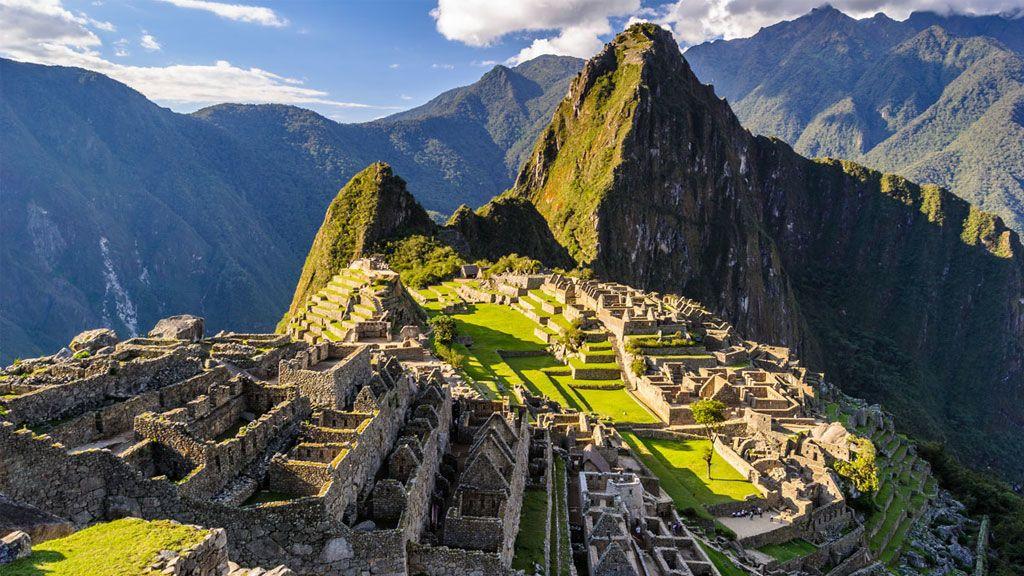 El acceso a Machu Picchu se restringe a dos turnos y con guía