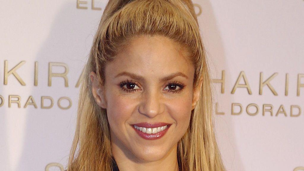 ¡Madre mía! Shakira recibe críticas por repetir vestido durante la boda de Messi y Antonella