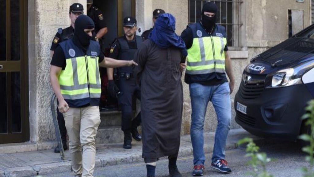 Las fuerzas de seguridad mantienen activas 800 investigaciones antiterroristas
