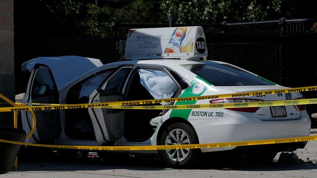 Diez personas heridas tras ser arrolladas por un taxi en Boston