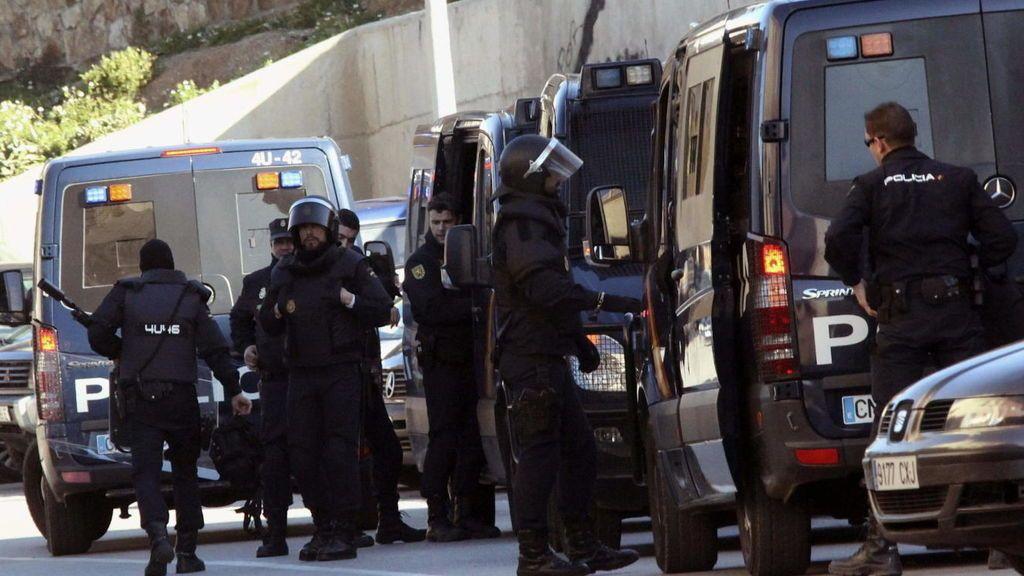"""El yihadista detenido en Málaga iba a comprar armas y chalecos antibalas y es """"experto"""" en explosivos"""