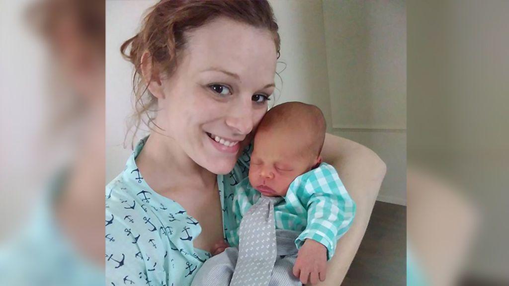 Publica la terrible muerte de su bebé y cuenta los peligros de dormirse mientras se da el pecho