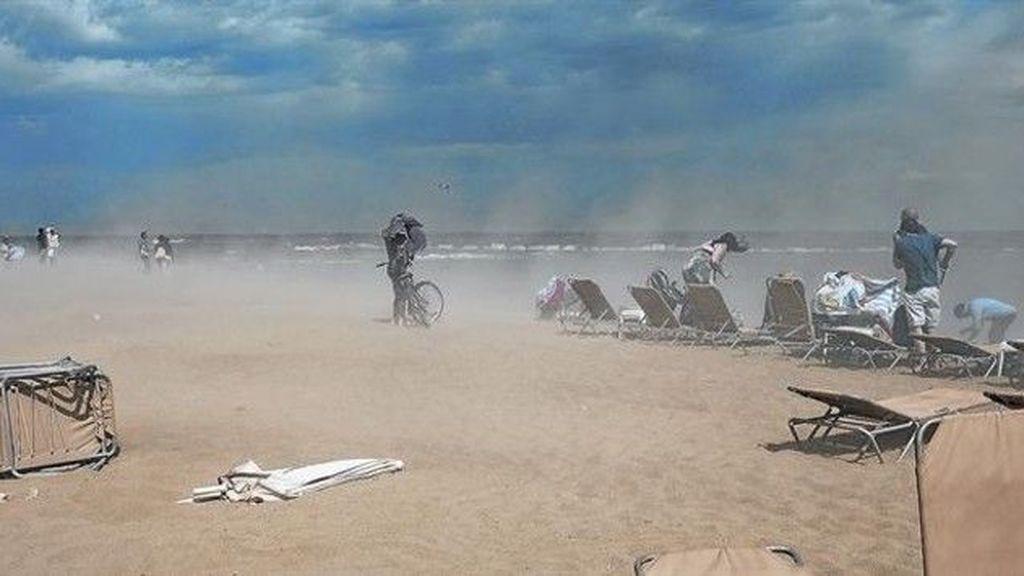 Vacaciones en Cádiz: ¿te quedarás sin playa por el temporal de Levante?