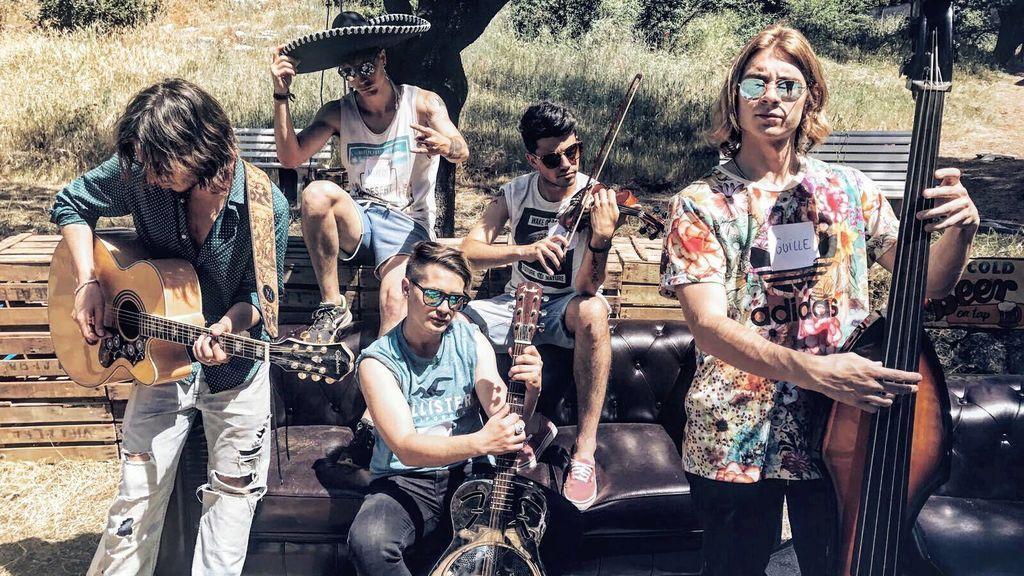 'Bromas Aparte', el grupo que va camino de convertirse en la voz de su generación