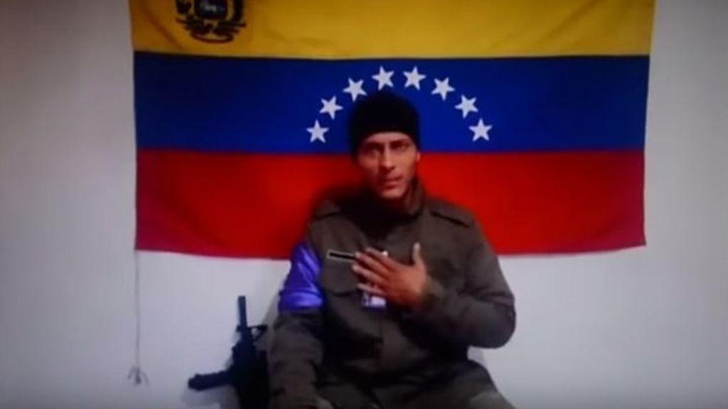 """Reaparece el piloto del helicóptero que atacó el Supremo de Venezuela  y pide salir a """"actuar"""" contra Maduro"""