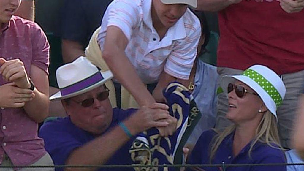 El niño al que le robaron la toalla de Sock en Wimbledon, recibirá una de cada Grand Slam