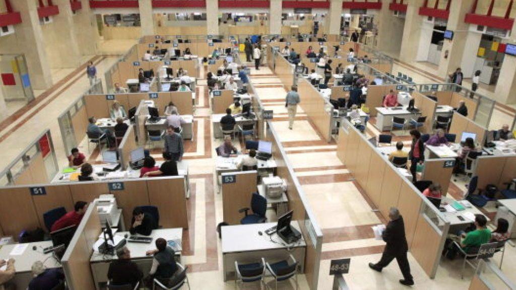 El Gobierno aprobará una oferta de empleo público de más de 20.000 plazas