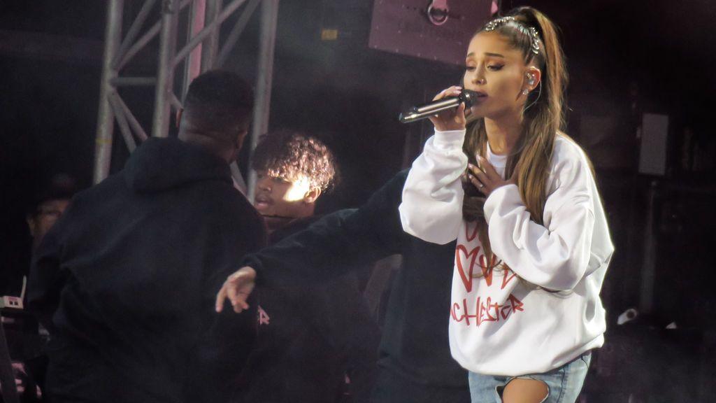 Ariana Grande recuerda a Saffie Roussos el día en el que hubiera cumplido 9 años