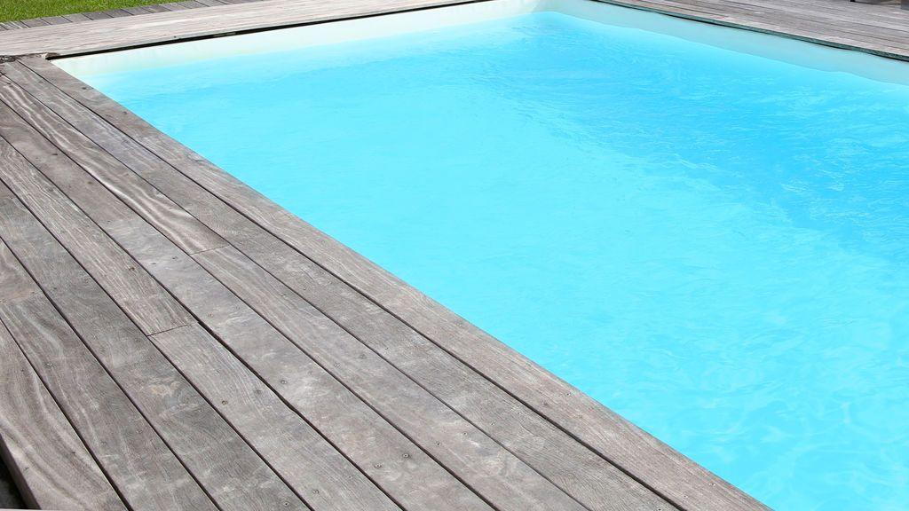 Muere un niño de dos años en Córdonba tras caer a una piscina donde estaba con su familia