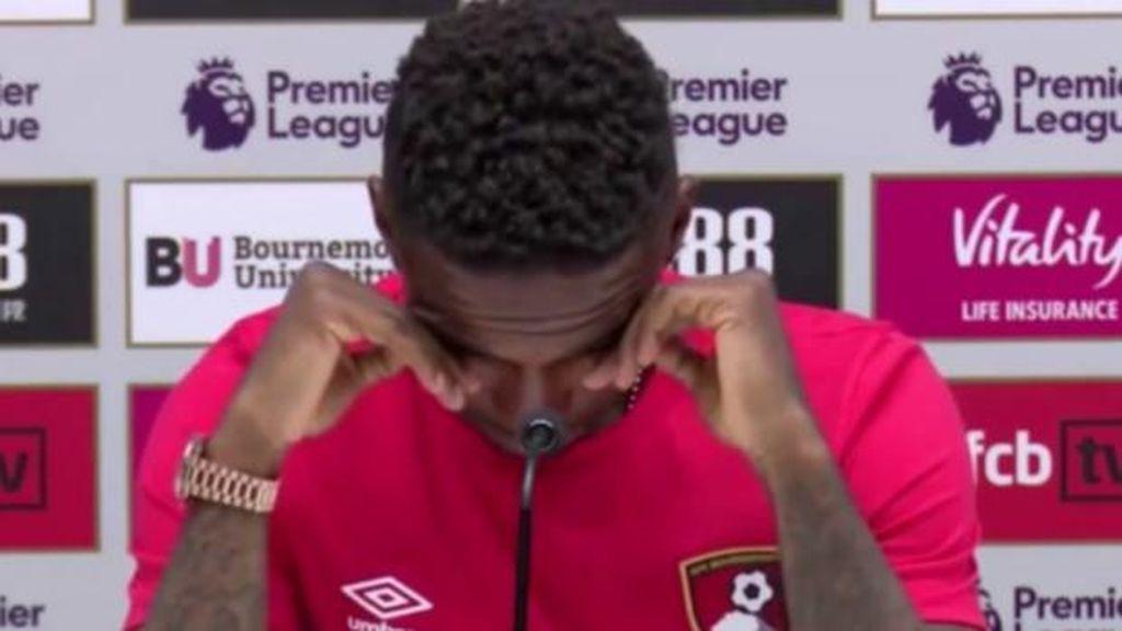 Defoe se presenta con el Bournemouth y rompe a llorar al acordarse del niño con cáncer y seguidor del Suderland