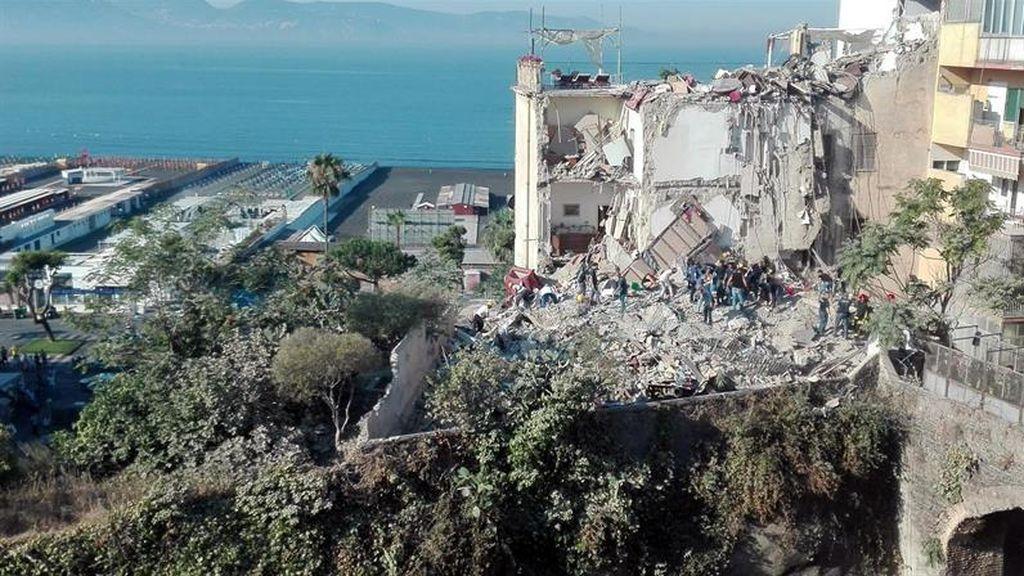 Derrumbe en Nápoles