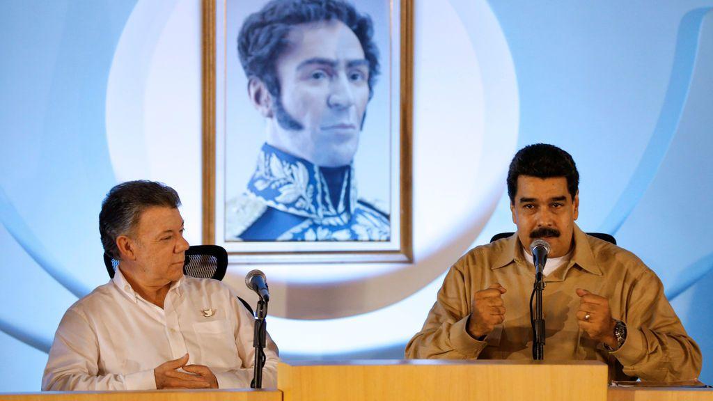 """Maduro, a Santos: """"Colombia se fundó aquí. Yo soy tu padre. Híncate ante tu padre"""""""