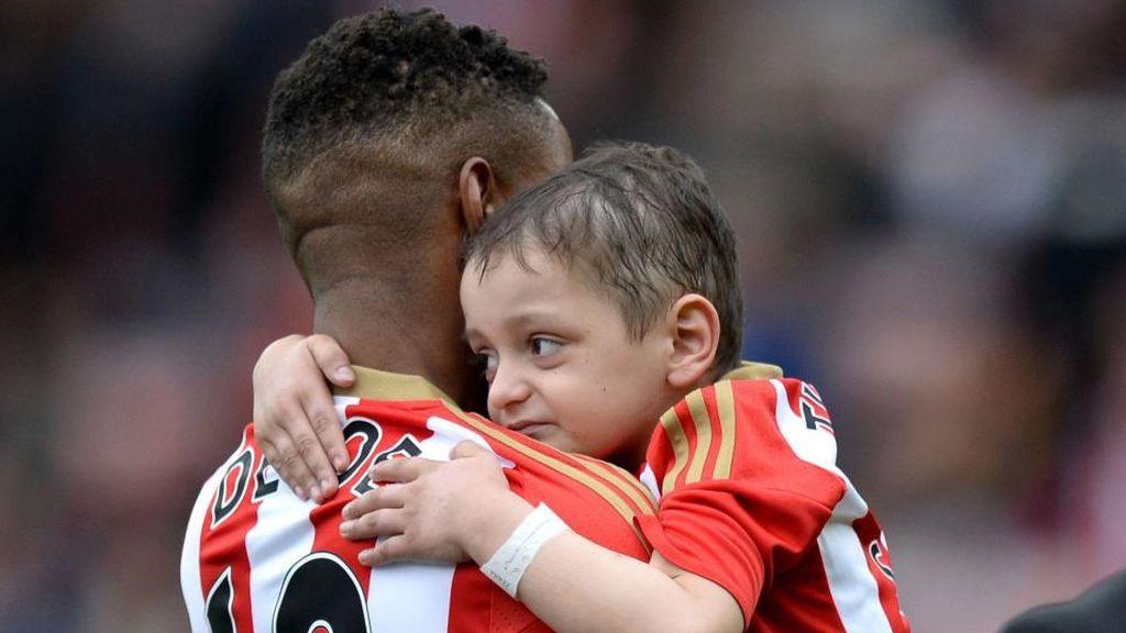 Fallece Bradley Lowery, el niño con cáncer amigo del futbolista Jermain Defoe