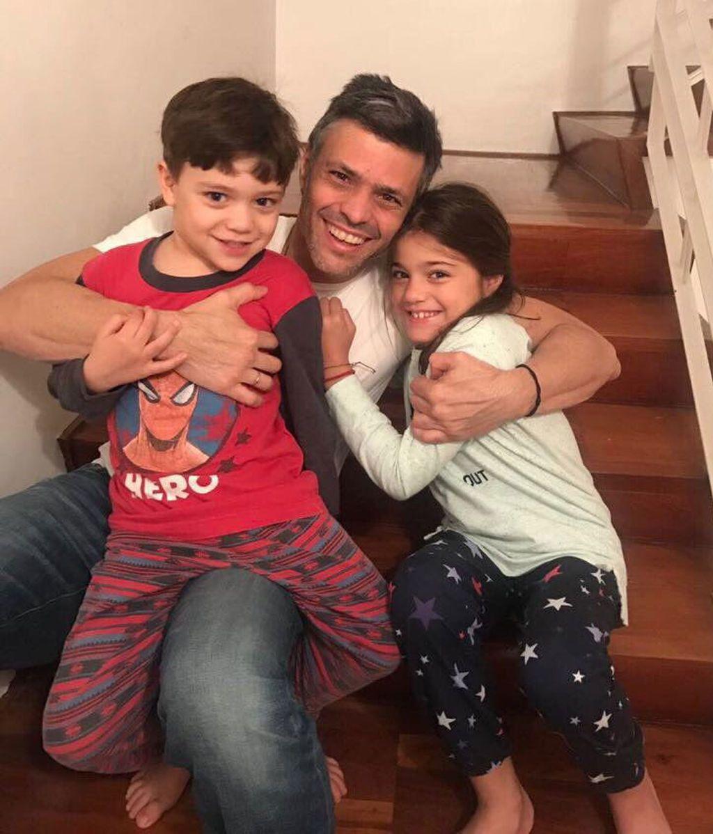 Leopoldo López, con sus hijos