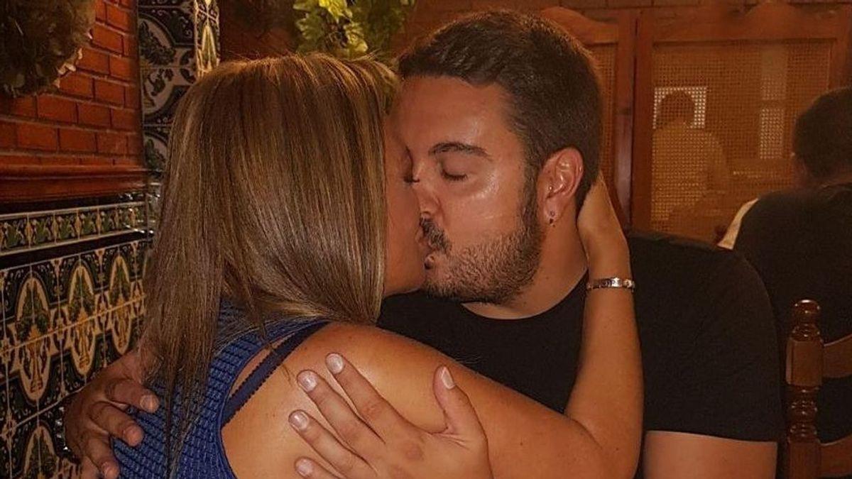 """La fiesta sorpresa llena de amor de Belén Esteban a su novio Miguel: """"Te quiero"""""""