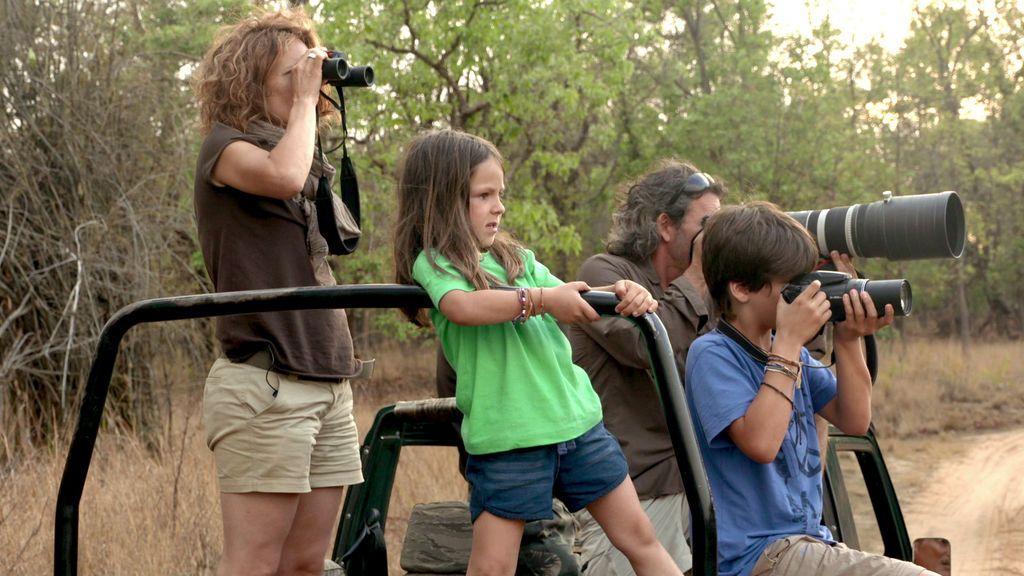 ¡Misión cumplida! Unai y su familia logran fotografiar al gran rinoceronte negro