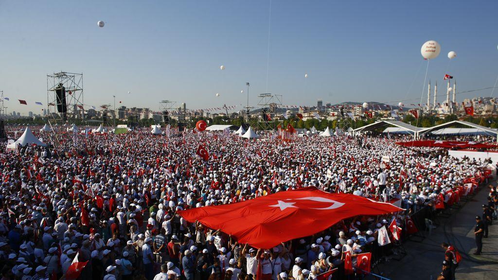 Cientos de miles de personas se manifiestan en Turquía contra el Gobierno de Erdogan