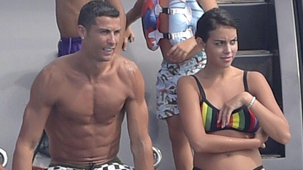Happy family: ¡Primera foto de Georgina con Cristiano Ronaldo y uno de los gemelos!