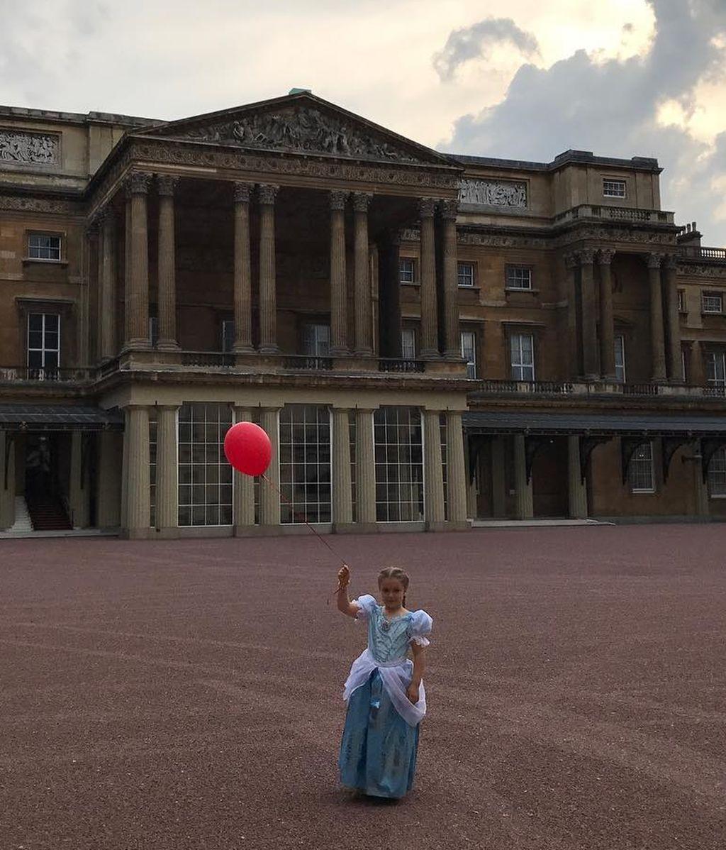 La hija de David Beckham, Harper, celebra su sexto cumpleaños en el palacio de Buckingham