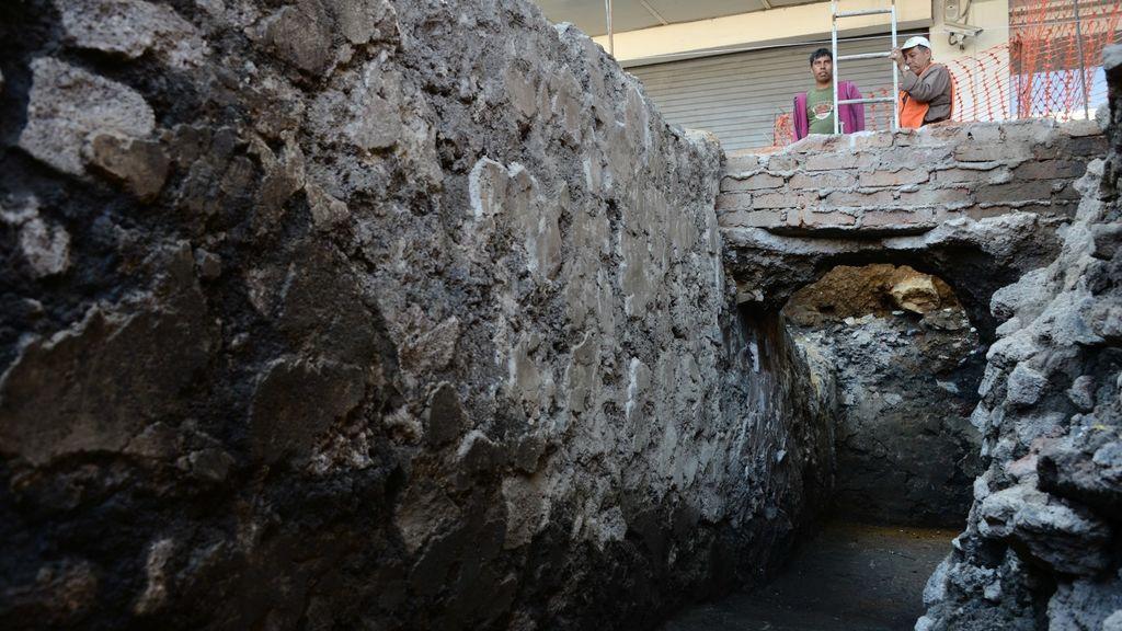 Arqueólogos hallan restos de edificio ceremonial azteca en Ciudad de México