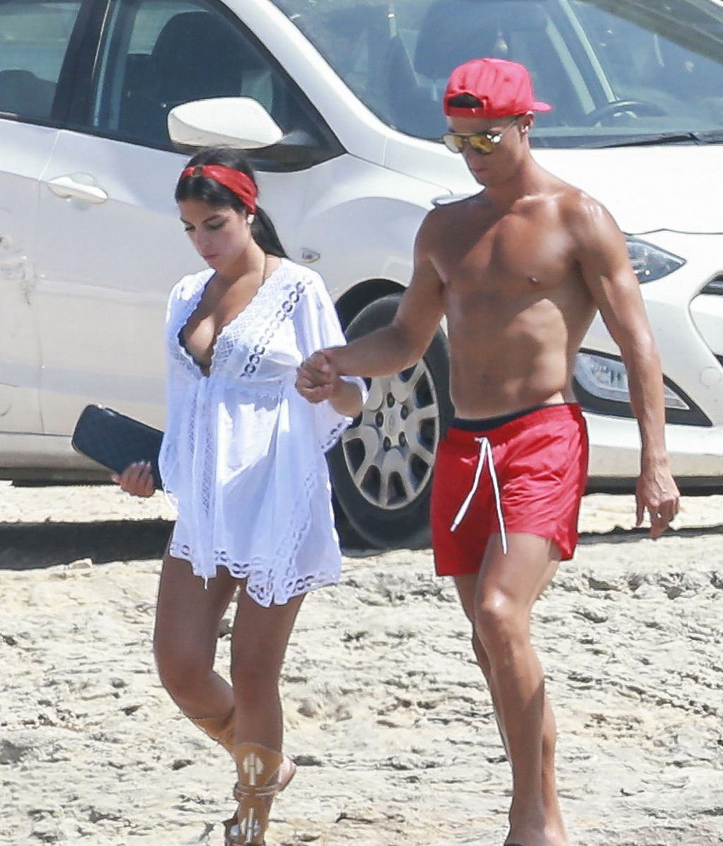Cristiano y Georgina conjuntados y unidos en Formentera