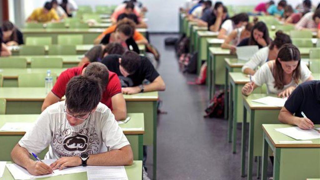 Los docentes, divididos por la posibilidad de lograr el título de ESO en junio con dos suspensos