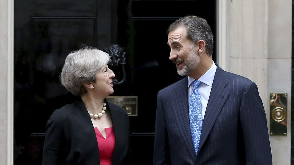 """May asegura al Rey que """"garantizar el estatus"""" de los ciudadanos comunitarios es su prioridad en el Brexit"""