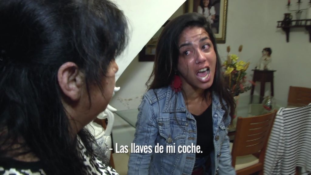 """Sheila destroza su casa al no encontrar las llaves del coche: """"Sois unas imbéciles"""""""
