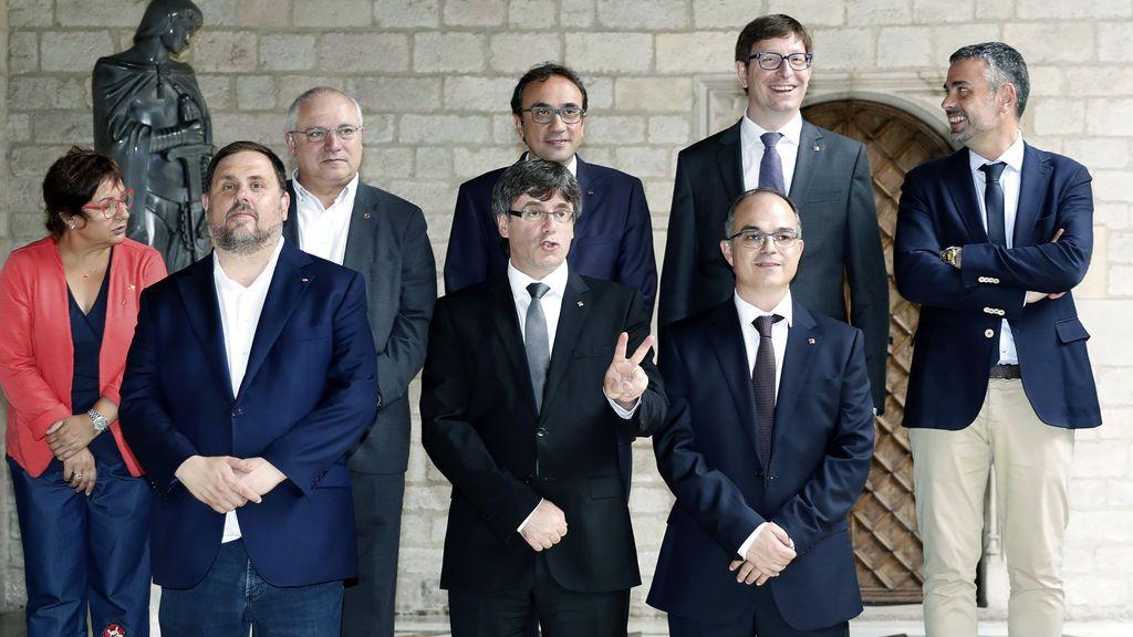 Los nuevos consejeros de Puigdemon no juran el Estatut o la Constitución en su toma de posesión