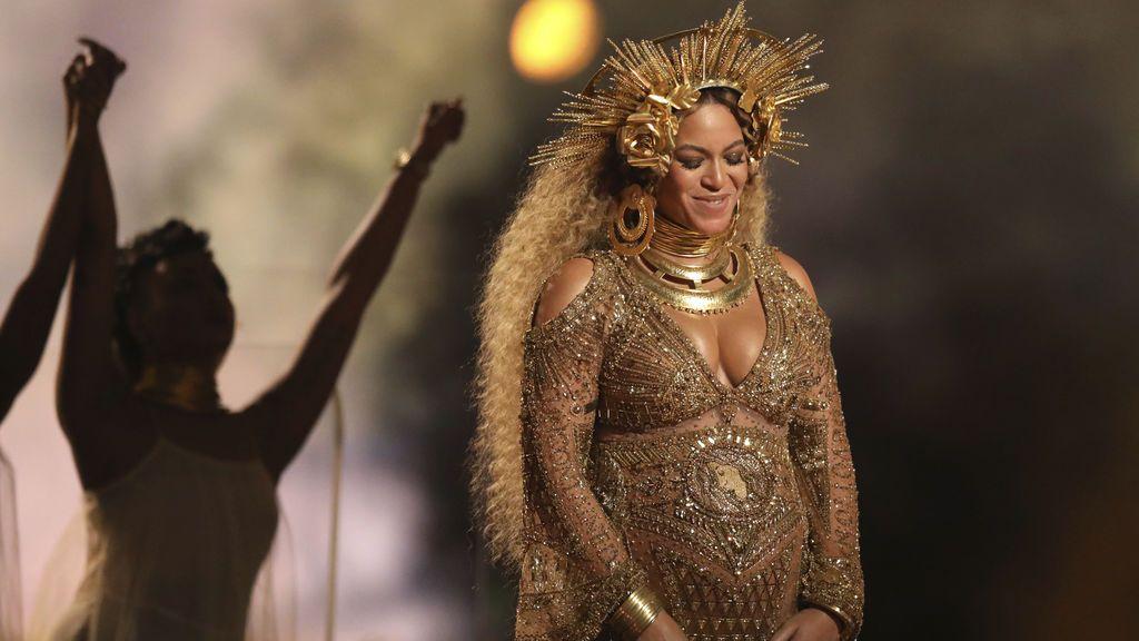 Beyoncé presenta a sus mellizos en Instagram