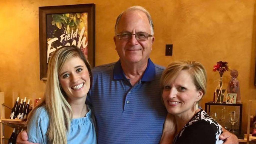 Encuentra por Facebook al enfermero que le salvó la vida hace 31 años