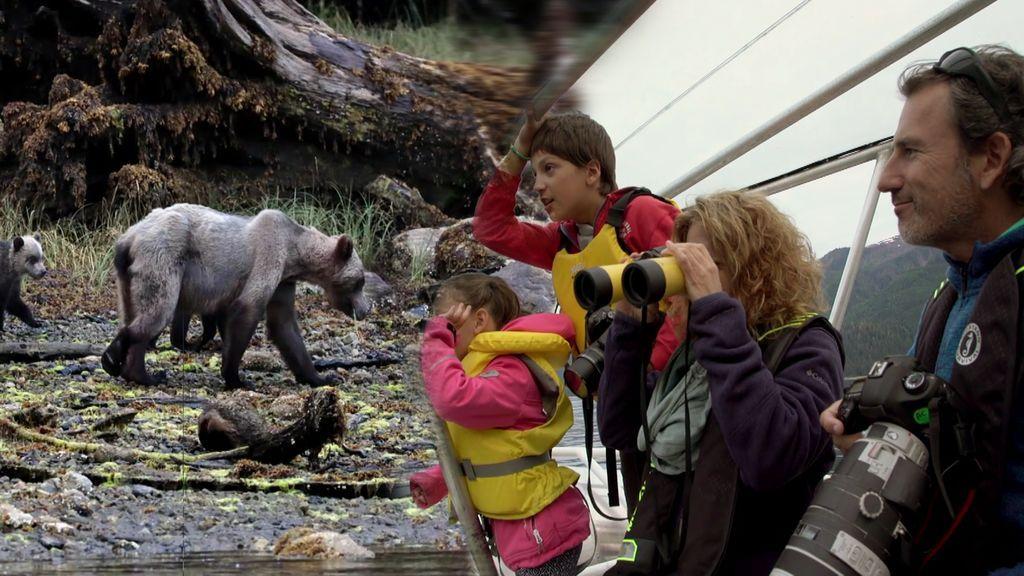 ¡Atención! Andoni se reencuentra con la osa Blondie diez años después de su primera fotografía