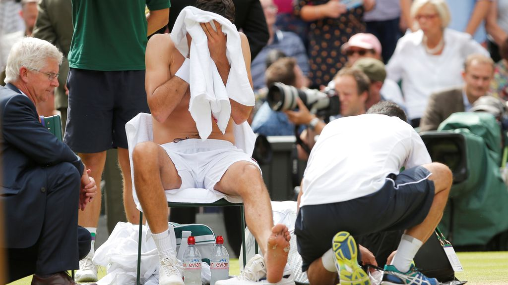 Las lágrimas de dolor de Cilic, rival de Federer, por una ampolla que casi le obliga a retirarse del partido